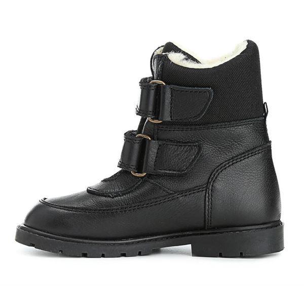 74831680ea7 Støvlen er i sort skind og har dejligt varmt uldfoer. Støvlen har endvidere  RAP-Tex membran, der gør den vandtæt. Støvlen har ekstra grov ...